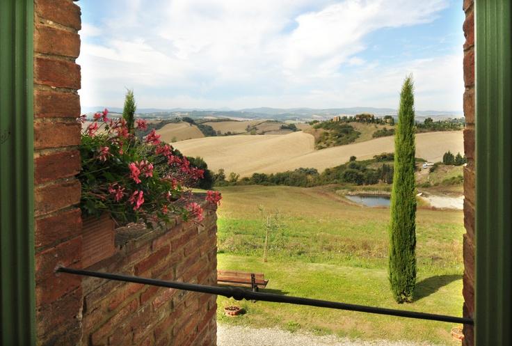 A Renaissance landscape is laid before you