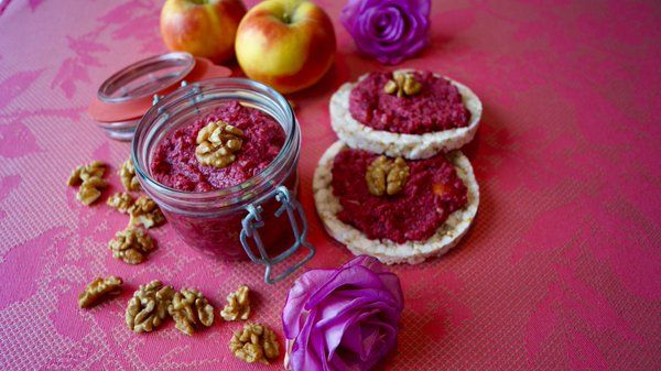 Such a delicious sweet beetroot & walnut dip. Recipe on my blog. #healthy #cleaneating #delicious