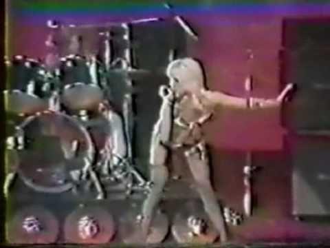 ▶ The Runaways - Cherry Bomb (Cherie Currie)