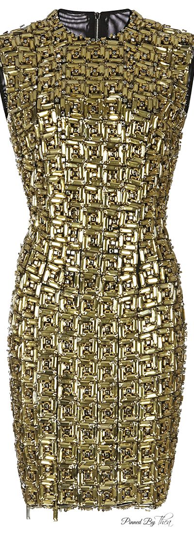 I do love this dress (and would love to walk up to a security check point with a metal detector while wearing it!)