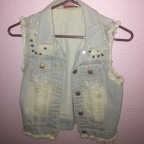 jean vest light wash jeans vest in great condition! would fit a small or medium. has studs on front area. willing to trade or negotiate! Other