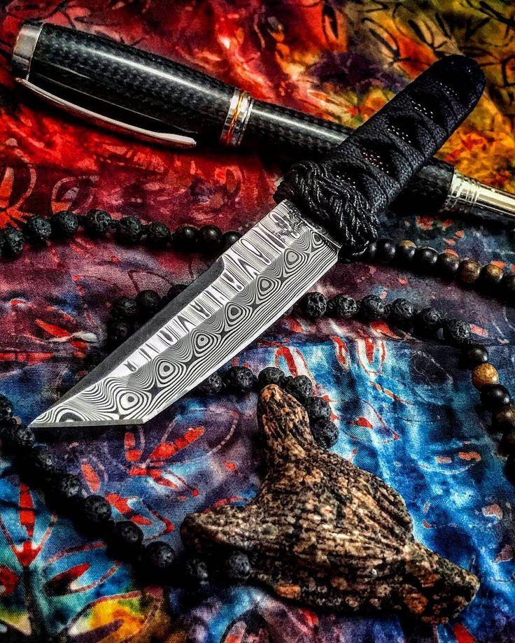 @Regrann from @metalevon - Love this damasteel necker by @eddlemanknives! #eddlemanknives #customknives #knifelife #knifecommunity #knifecollection #knives #blades #usnstagram #knifepics #knifeporn #knifestagram #everydaycarry #bladefreaks #bladeaddicts #bladeart #knifeobsession #knife #knifefanatics #knifeart #epicblades #amigos