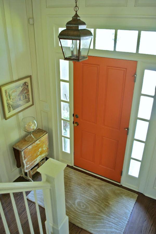 Geef je voordeur aan de binnenkant een kleurtje en maak een statement in je gang of hal. Met een gekleurde deur is het vrolijk binnenkomen!