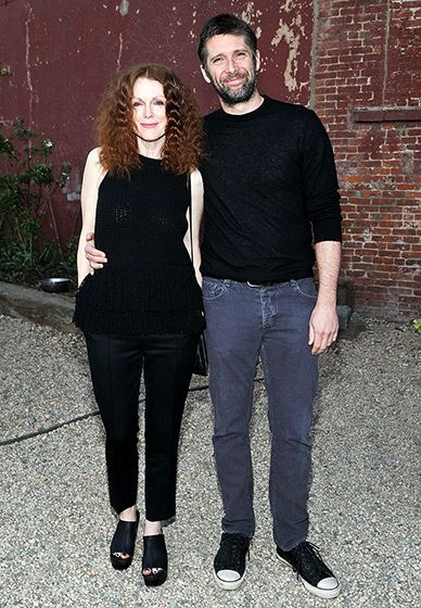 Julianne Moore (with hubby Bart Freundlich) rocked a new hairstyle at the Original Music Workshop Spring Gala at Pioneer Works in NYC May 7.