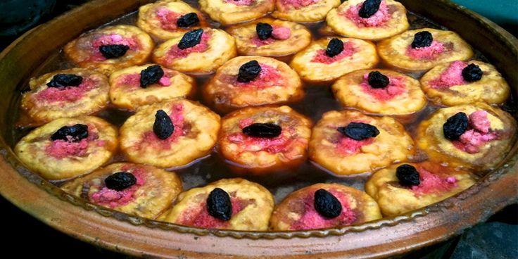 Los Molletes son también conocidos como Torrejas, son sumamente populares durante la Semana Santa, pero puedes prepararlos en cualquier época del año.