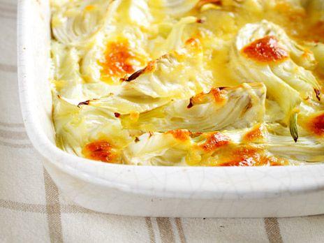 """Toves recept på en enkel fiskgratäng """"allt-i-ett"""" med potatis, torskfilé, lök och bladspenat."""