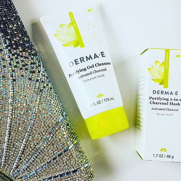 What's with all this charcoal found in #beauty lately? Oh maybe because it works! What's been your experience with charcoal in beauty products?  I'm personally loving this charcoal mask and gel cleanse from one of my fav brands - @dermae  #charcoal #charcoalbeauty #charcoalmask #dermae #gelcleanser #beautycare #beautyproducts #beautyaddict #beautyqueen #beautyguru #DERMAEambassador #instabeauty  To see the pic in SelfieMark and like it or comment, tap to get the app - www.selfiemark.com