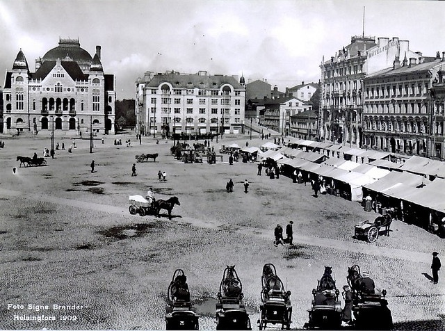 Helsinki railway station square by Signe Brander 1909