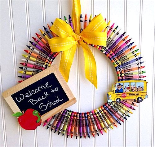 How to Make a Teacher's Back to School Wreath. Whether you're a teacher or just want to celebrate back to school season, this wreath is perfect! Thanks to Etsy Shop 'Made for Bri' for letting us feature! http://howtomakeaburlapwreath.com/make-teachers-back-school-wreath/ #wreaths #backtoschool #DIY