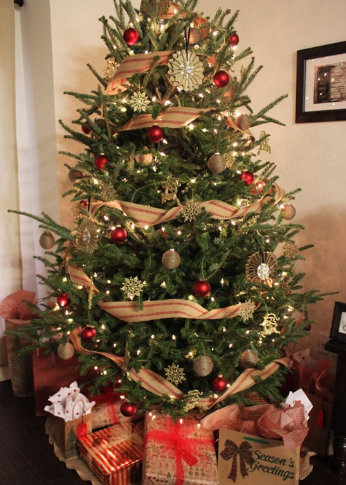 576 best Country Living's Christmas Tree Contest images on ...