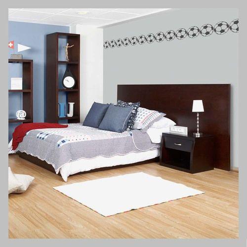 CAMA CON ESPALDAR LARGO C-15-100 Cama con diseño minimalista de nuestra línea moderna. Está inspirada en los modelos japoneses de camas on espaldares largos que sirven para abrazar el diseño de la cama y la mesa de noche. Esta referencia está en madera clásico oscuro y disponible en otros terminados lo que permite que sea adecuado para niño o niña. Todas las camas son hechas a mano y terminadas con lacas no tóxicas.