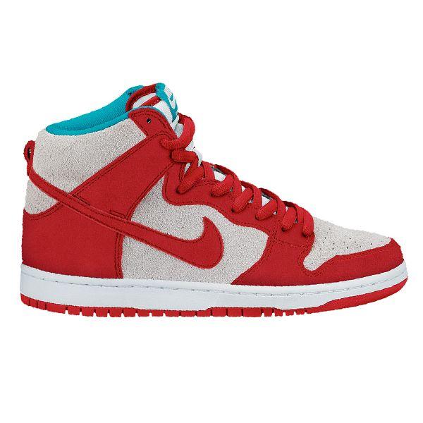 Sepatu Nike Sb Dunk High Pro terbaru yang dikeluarkan oleh Nike. Memiliki design classic untuk pecinta skateboard, pada generasi ini Sepatu Nike SB Dunk High Pro tampil dengan upper full suede dan leather. Sepatu dengan harga Rp 1.090.000.