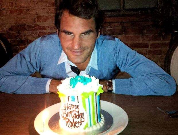 Roger Federer bolo de aniversário (Foto: Reprodução / Facebook Oficial)