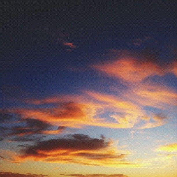 Painterly Sunset / @jchongstudio • Instagram
