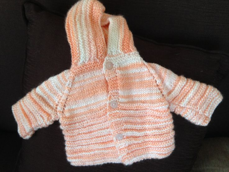 Handmade Baby Sweater Soft Orange Wool / Chaleco de bebé naranjo suave hipoalergénico de JulyWoolery en Etsy https://www.etsy.com/es/listing/399088165/handmade-baby-sweater-soft-orange-wool