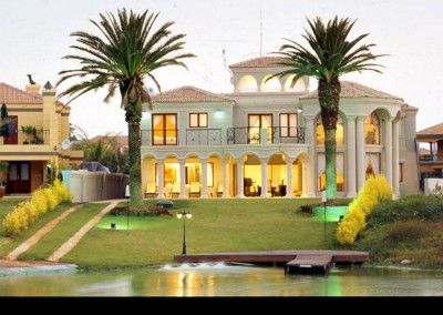 North West, Hartbeespoort, West Lake Country and Safari Estate property. Millionaires Mansion on the Water in Bushveld Estate