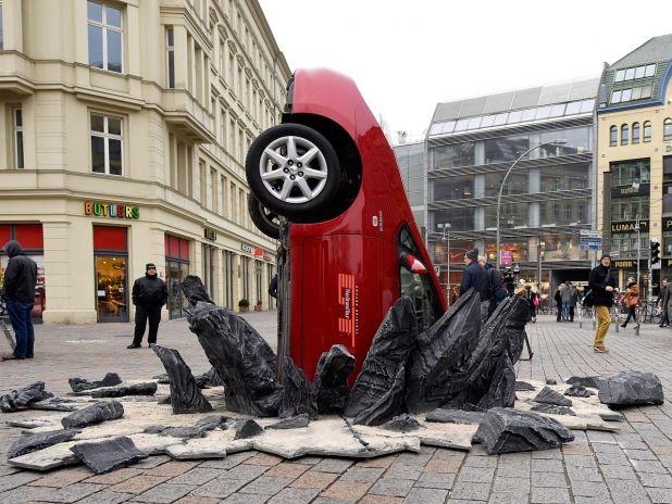 http://www.autozeitung.de/auto-news/top-gear-2015-amazon-clarkson-hammond-may