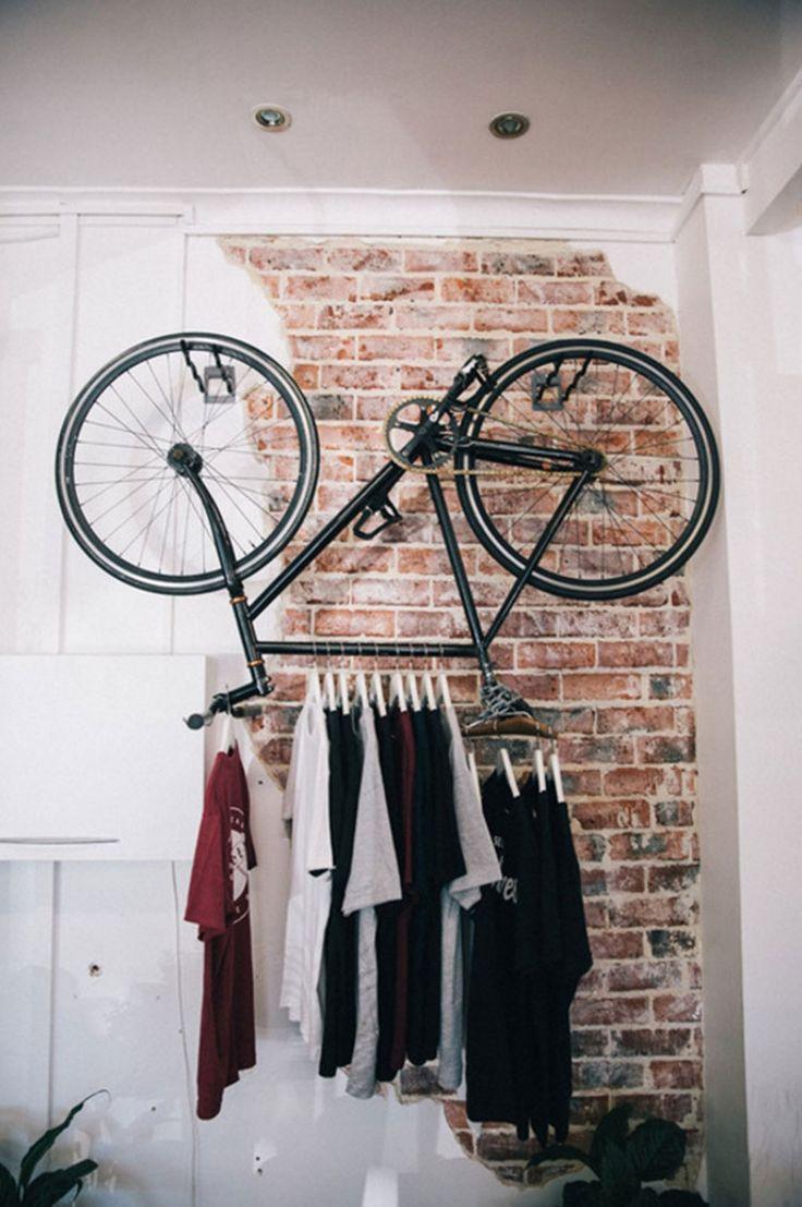 Attaccapanni con bicicletta sospesa