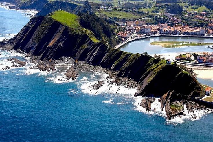 Ribadesella, Air View. Asturias, North Spain Photo by Nardo Villaboy
