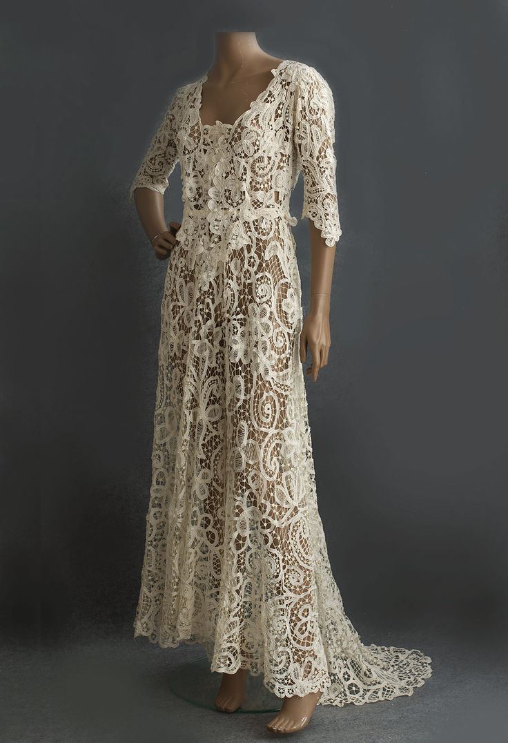 #2830 Battenberg lace wedding dress at VintageTextile.com