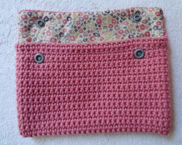 Libertylle: Pochette Crochet et Liberty, tuto inside ! Comment doubler son ouvrage avec du tissus.