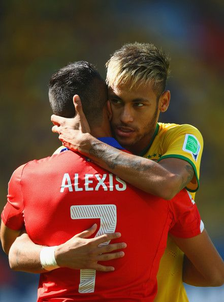Alexis Sanchez Photos - Brazil v Chile: Round of 16 - 2014 FIFA World Cup Brazil - Zimbio