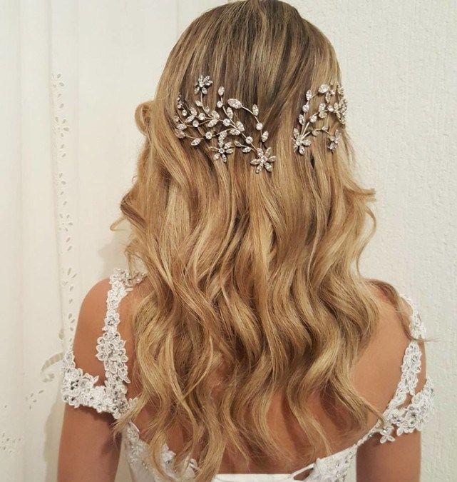 Ideias de penteados para noivas que querem casar de cabelo solto | Cabelo: Lázaro Lambertucci