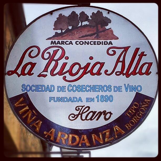 """@winetastelovers's photo: """"La Rioja Alta, Bodega centenaria en el Barrio de las #Bodegas en #Haro, La #Rioja. #Enoturismo #wine #tours #trips #Winetastelovers"""""""