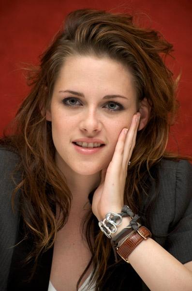 Kristen Stewart- wearing watch inside of wrist | Wearing a ...