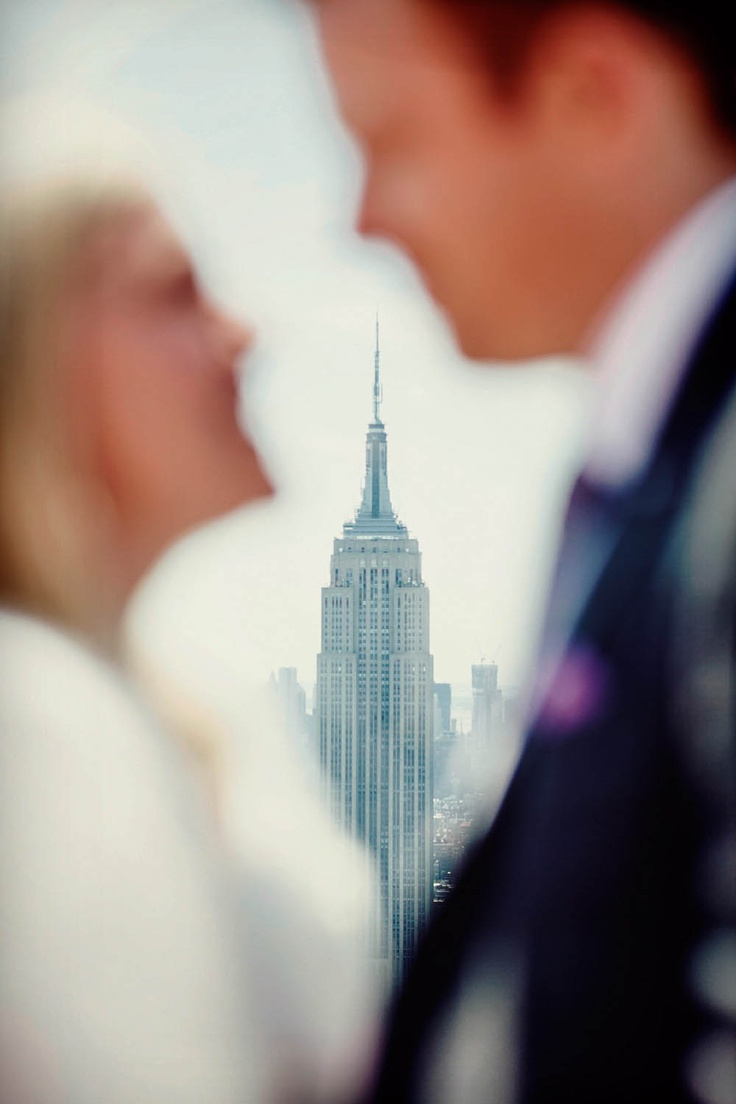 """""""Englishman in New York"""" – An Intimate Wedding on a Private Yacht: Natasha and MarcEmpire State"""