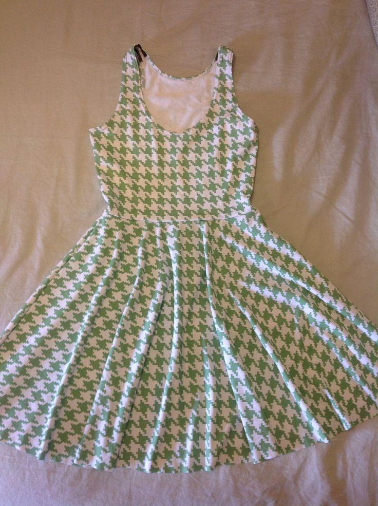 Sample - Houndstooth Green Reversible Skater Dress