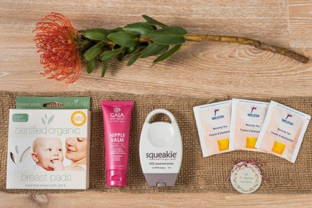 'Lil Footprints Hampers are the natural, organic alternative to gift giving! Our gorgeous gifts of wellness naturally celebrate mums and their 'lil ones!