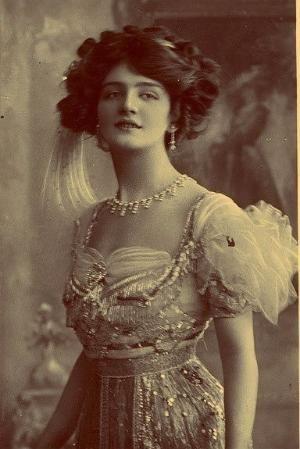 She looks like a princess. by vivian