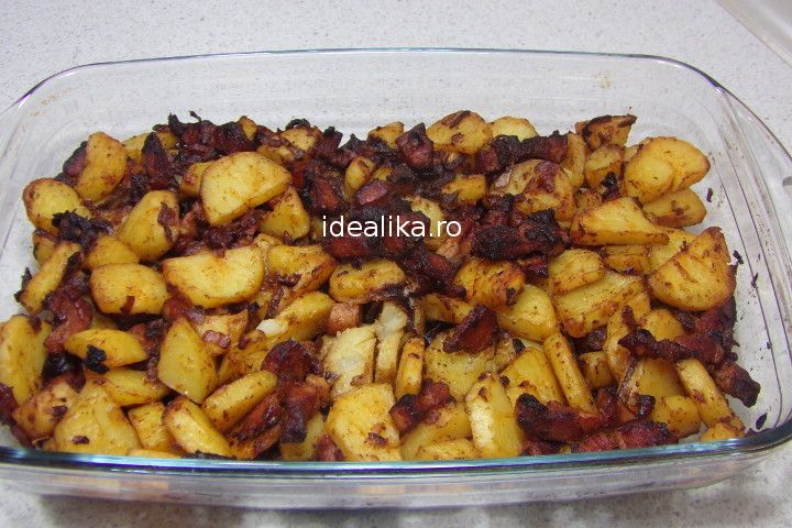 Cartofi taranesti cu bacon sunt o delicatesa fie ca suntru serviti ca atare sau ca si garnitura la o friptura preparata pe gratar, in cuptor sau cu sos, dar