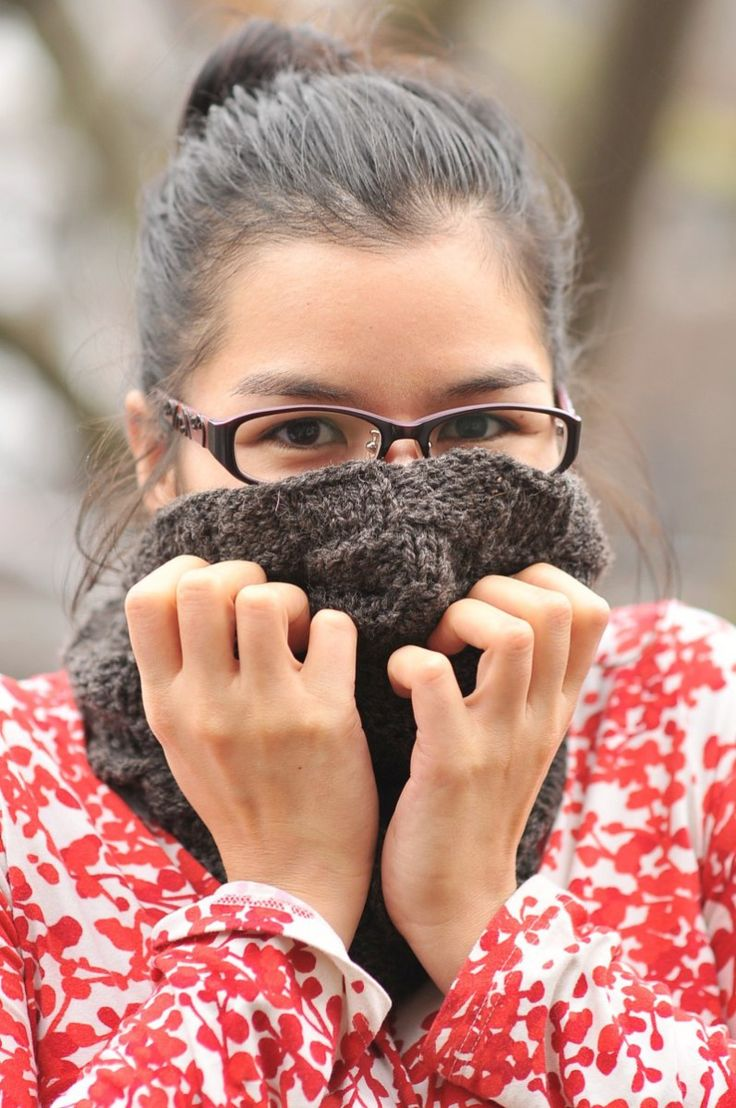 Knit Checkerboard Cowl and Free Pattern