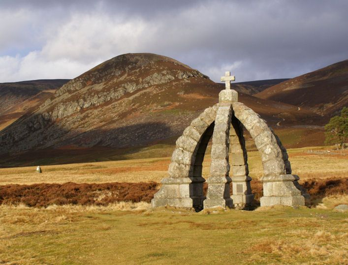 Things To Do In Skye >> Must Do in Scotland...Bag a Munro Queen's well built to commemorate a visit by Queen Victoria ...