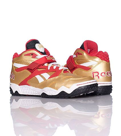 REEBOK Mid top men's sneaker Lace up closure with velcro strap Padded  tongue with REEBOK air pump Sp.
