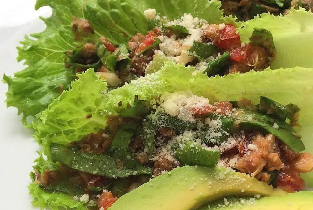 ¡Qué rica ensalada se puede preparar con sardinas de lata!: Fresca, nutritiva y sabrosa es la ensalada de sardinas a la mexicana.
