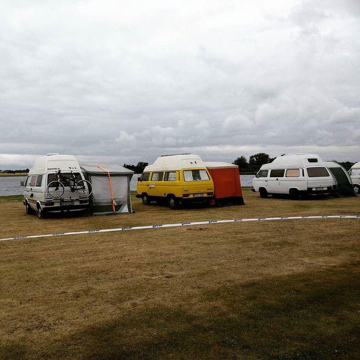 #VW #t3highroof auf dem #midsummer #Bulli #festival #fehmarn  # #t25 #turbodiesel #westfalia #westy #camper #camperlife #T3 #vwt3 #Transporter #vwtreffen #kombi #instavw #campervan #vwcampervan #vwallday #vwforlife #vwlovers #camperlife #midsummerfestival #vintage #Oldtimer #oldtimertreffen