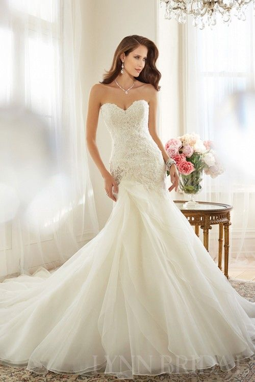 Fit and Flared Sweetheart Lace Up Corset Organza Wedding Dress