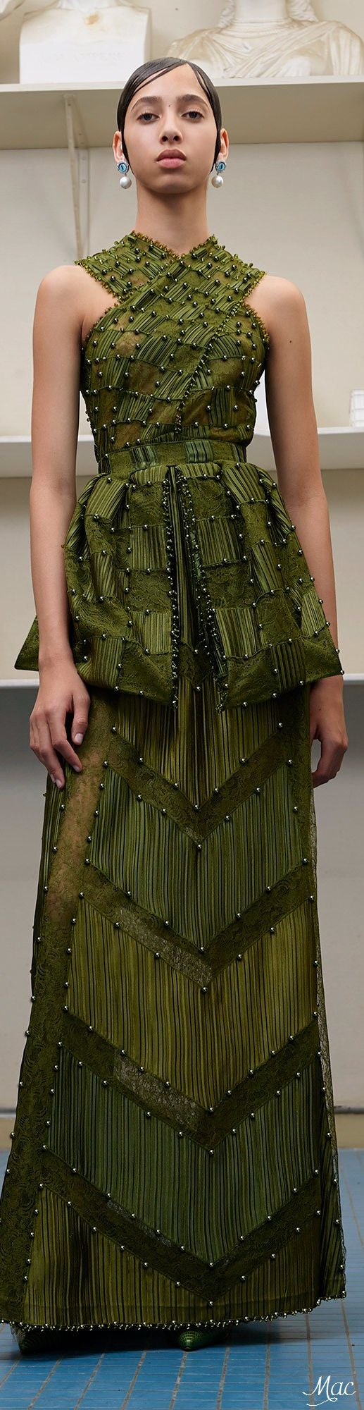 www.2locos.com Fall 2016 Haute Couture Givenchy