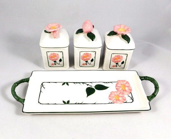 Vintage Villeroy Boch Condiment Or Spice Set 1748 Wild Rose Earthenware 3 Covered Jars With Tray Jelly Jams Germ Villeroy Boch Rose Decor Vintage China