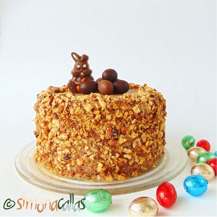 Tort simplu cu ciocolata si nuca un tort din copilarie care nu e dificil de preparat, e delicios şi are gustul unui tort de cofetărie.