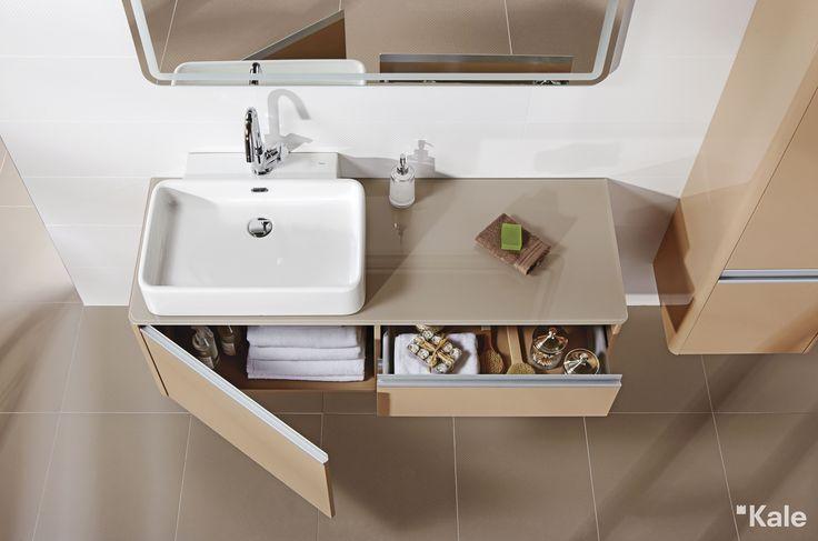 Yalın ve yuvarlak hatlarıyla banyolara sade bir şıklık katan Fold serisinden tezgah üzeri çanak lavabo.  #Kale #banyo #tasarım #bathroom #bathroomidea #dekorasyon #dekorasyonönerileri #decorationidea #lavabomodelleri #lavabolar