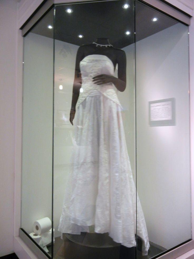 Wedding dress display case for closet
