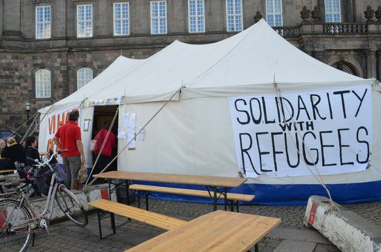 "15of28 Danes Crowdfund To Buy Ads Apologizing For Government's Anti-Migrant Stance On Sept. 7, Denmark's government issued ads in four Lebanese newspapers discouraging migrants and refugees from moving to the country. A group of Danish citizens, named ""People Reaching Out,"" raised funds to buy ads in the same four newspapers on Oct. 2 apologizing for their government's ""hostility towards refugees"" and welcoming them to the country instead."