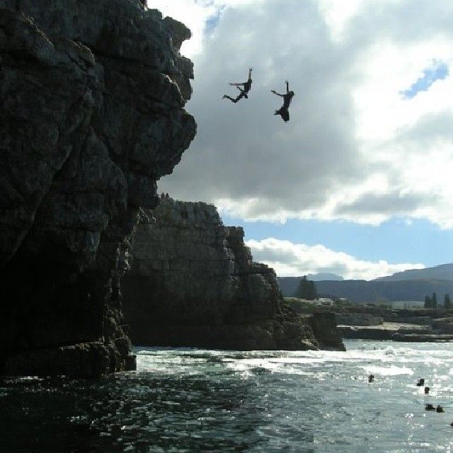 Epic fun in Hermanus. #ocean #cliffjumping #somethingfishy #southafrica #voskshoes #vosk #vscocam http://instagram.com/voskshoes 17 Mar 2014