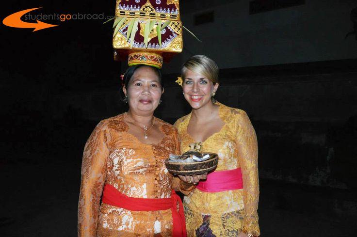 Mona goes local in #Bali #Volunteerabroad