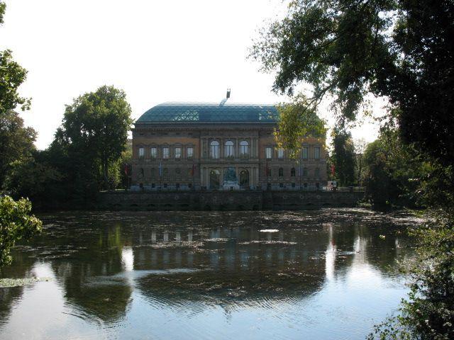 Düsseldorf - ehemalige preußische Provinzial Landtag wurde 1880 eröffnet