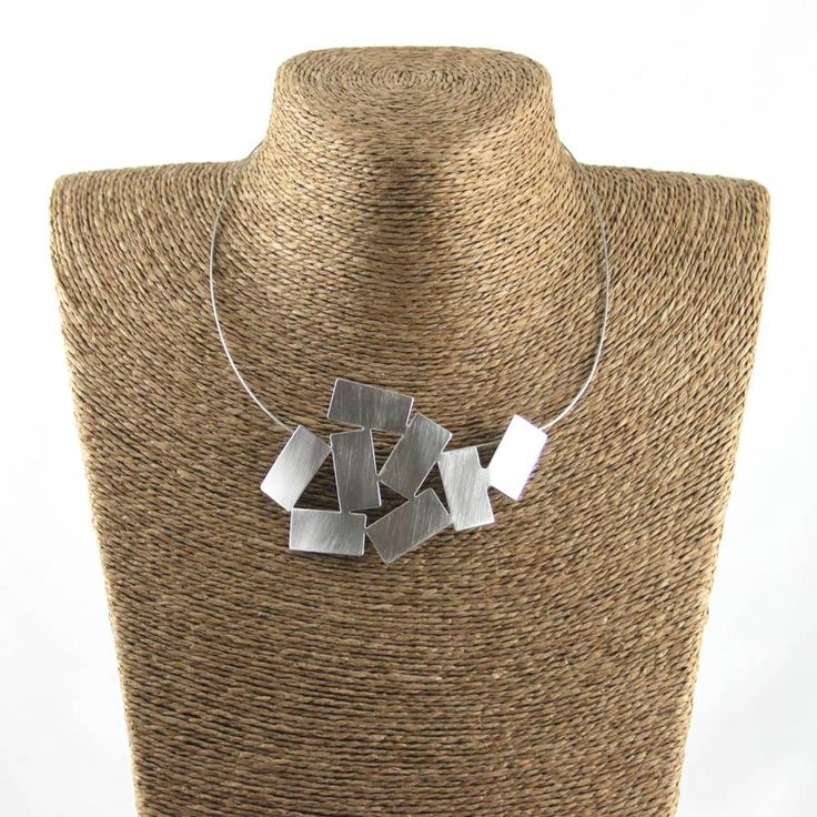 Geometric Pattern Necklace